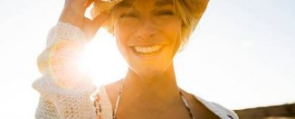 femme-été-plage-soleil-beaute-sable